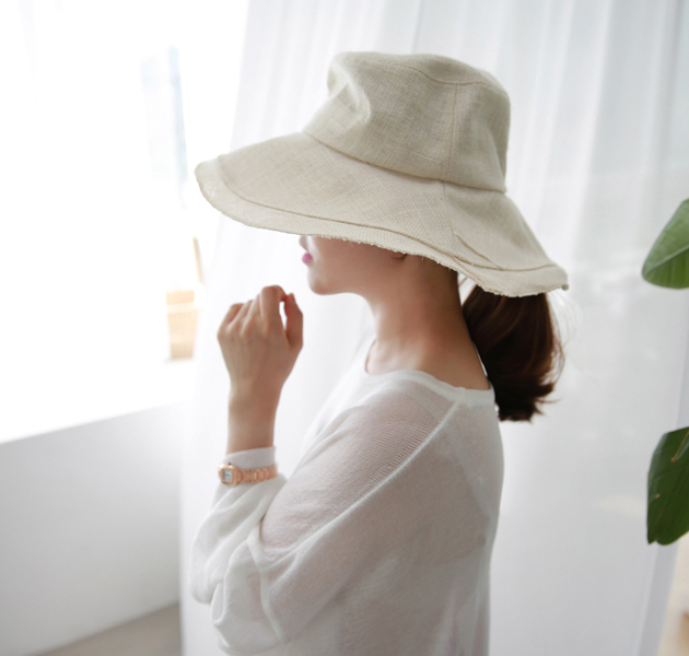 Wide Layered Brim Bucket Hat