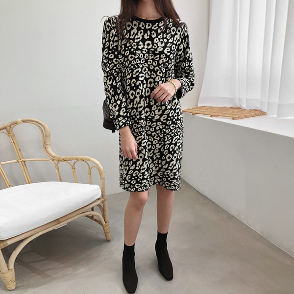 Leopard Pattern Shift Knit Dress