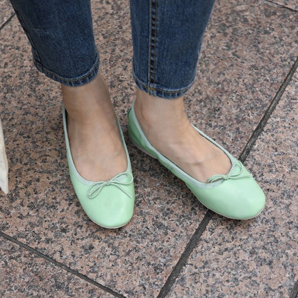 Ribbon Accent Round Toe Flats