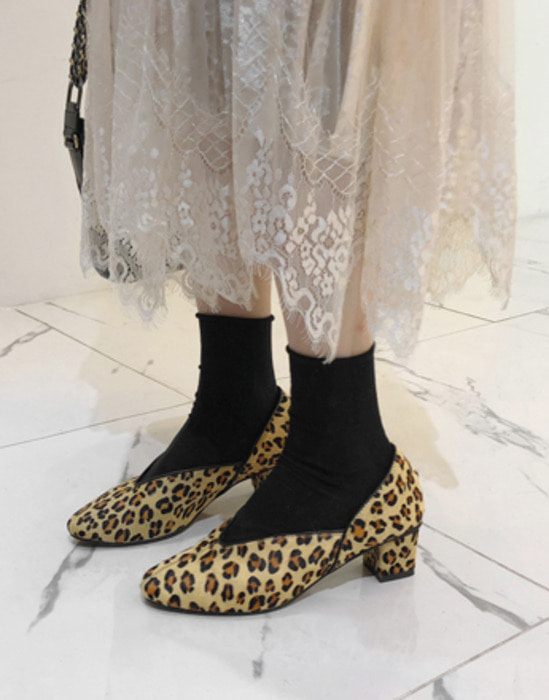 Leopard Pattern Block Heel Pumps